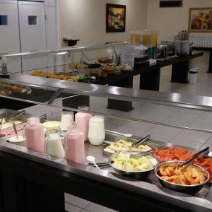 buffet-de-frutas-cafe-da-manha-hotel-mirante