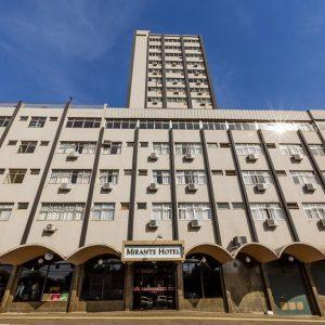 fachada-completa-hotel-mirante