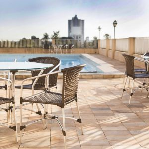 piscina-panoramica-sol-cadeiras